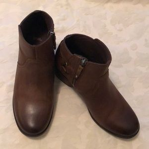 Teva brown leather boots great condition Sz 9
